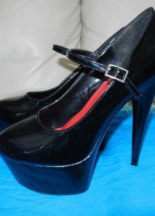 À vendre sur #vintedfrance ! http://www.vinted.fr/chaussures-femmes/escarpins-and-talons/26348028-escarpins-plate-forme-haut-talon-sexy-noir-vernis-t39-nitelife-sexypinup