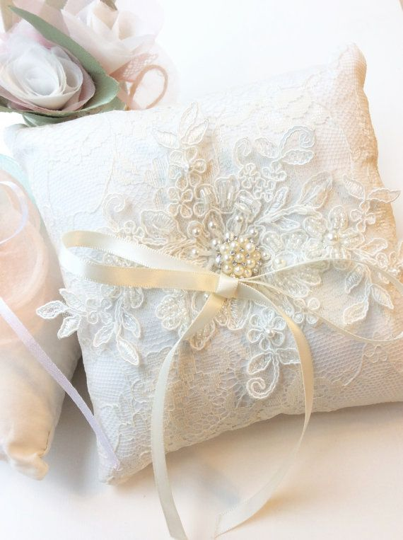 The listing is for one beautiful ring pillow with 17x17cm dimensions. It is simply beautiful and elegant, also a great prop for close up