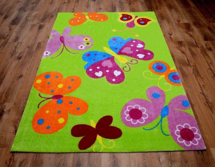 Zielone dywany dla dziecka w motylki