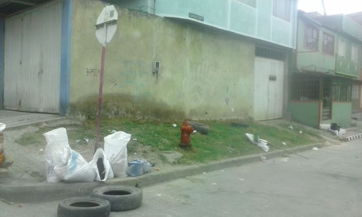 Entrega de punto recuperado en la calle 46 A sur con carrera 12 A Este, luego de realizar acciones de mitigación operativa y jornadas de embellecimiento con la comunidad del barrio Altamira de la localidad de San Cristóbal.
