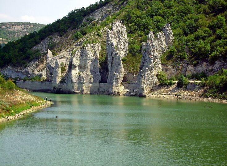 The Wonder Rocks - Varna, Bulgaria.  Чудните скали, до Варна.