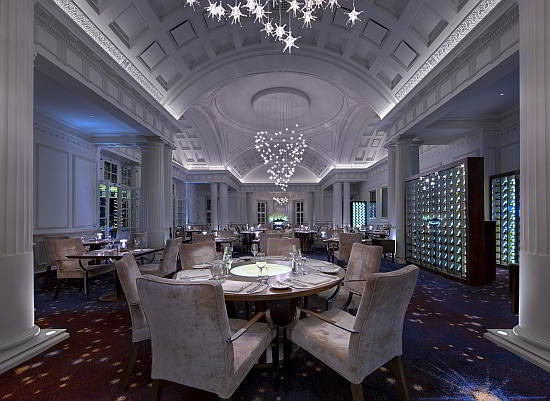 The Planet restaurant in the Mount Nelson Hotel, Cape Town is not only stunning with all those crystals but here you find the best exotic selections such as smoked crocodile, Namibian red crab, etc.