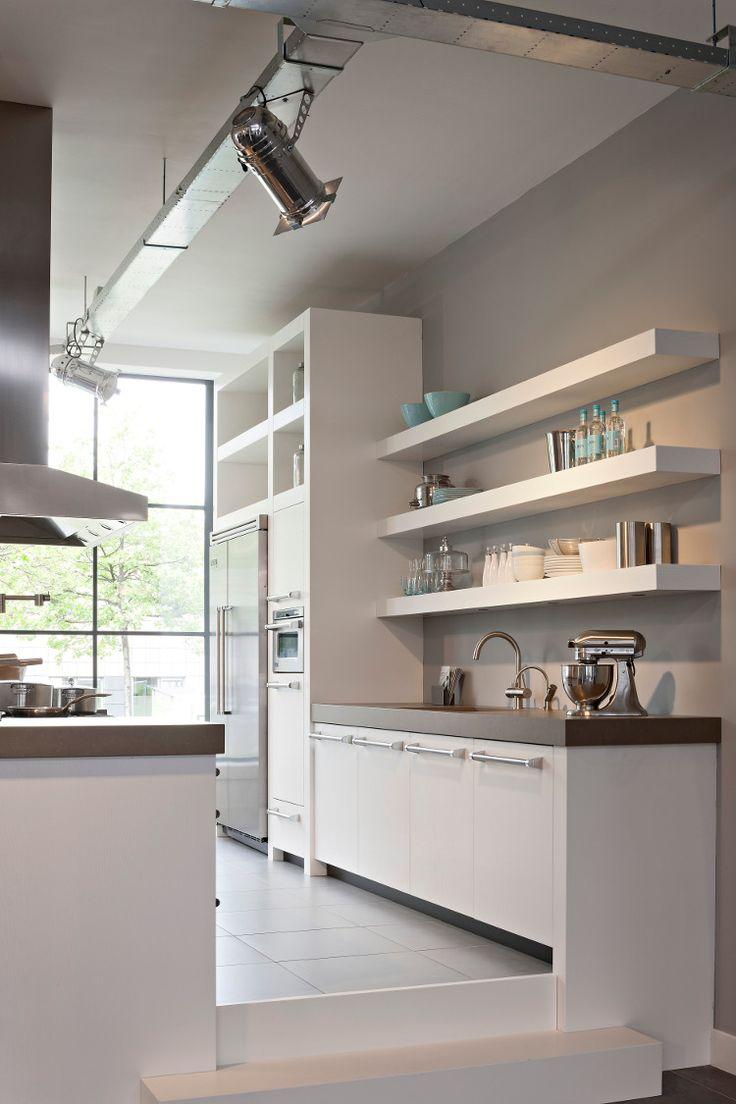 25 beste idee n over witte planken op pinterest bureauruimte wit bureau en wit kamer interieur - Deco witte keuken ...