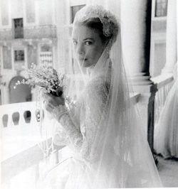 Grace Kelly Wedding Dress http://www.pinterest.com/lesley210756/royals-of-monaco/