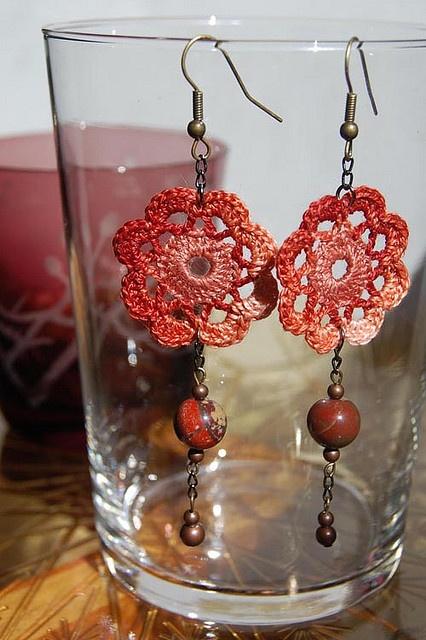 Flower Earrings by Un Jardín De Hilo, via Flickr: Crochet Flowers, Crochet Ideas, Free Crochet, Crochet Jewelry, Crochet Patterns, Crochet Earrings, Flower Earrings