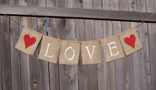 Make your own rustic burlap sack banners | Offbeat Bride