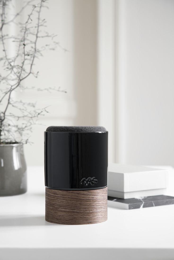 KÄHLER + SYSTEM AUDIO. Fyll hjemmet med stemningsskapende musikk, vakkert innpakket i prisbelønnet dansk design. Trådløs lyd via Bluetooth 3.0. Gratis frakt på www.multitrend.no