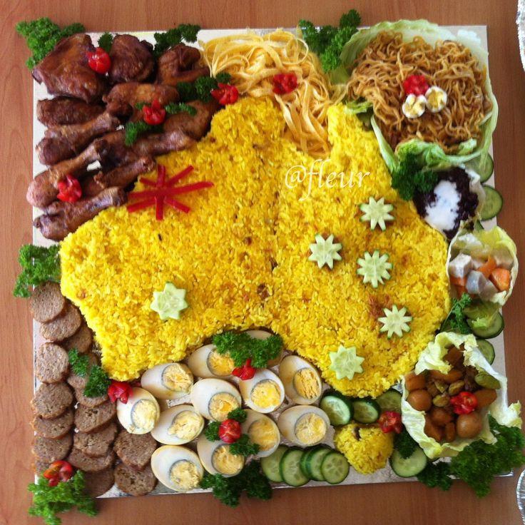 Nasi kuning komplet