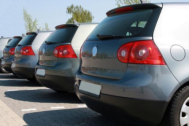 Kredyt samochodowy czy leasing?  http://www.kalkulator.pl/kalkulator-leasingu
