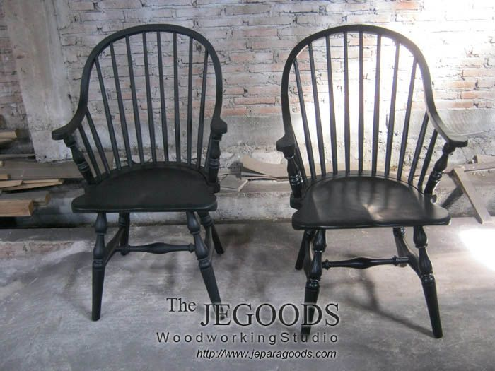 We produce retro mid-century Windsor Arm-Chair furniture. Best traditional handmade by skilled craftsman Indonesia.   #americanfurniture #englishfurniture #retrofurniture #vintagefurniture #scandinavianfurniture #windsorchair #indonesiafurniture #midcenturyfurniture #retrochair #kursiwindsor #craftsmanship