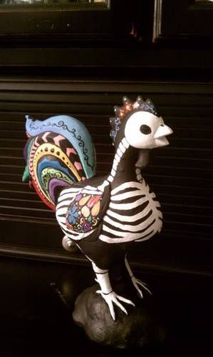 Day of the Dead Rooster via craftster.org. Oh, how I love him.
