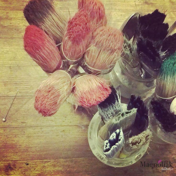 Még több ecset, nem lehet betelni velük:)  http://www.magnoliak.hu/component/content/article/419.html
