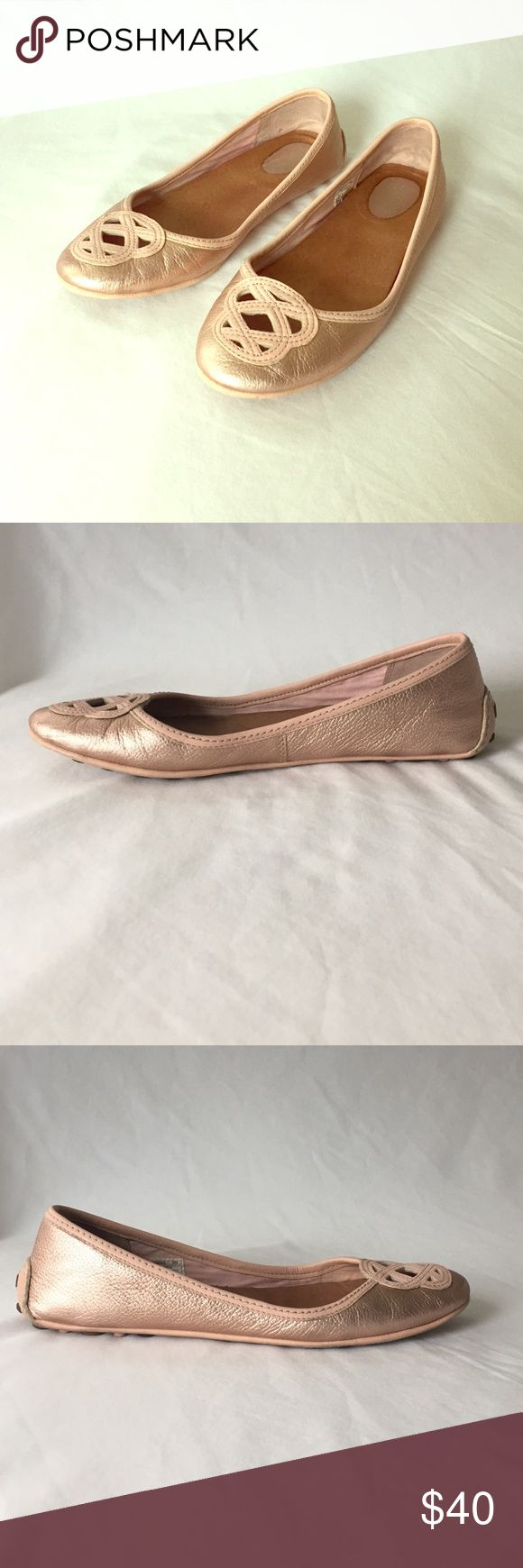 Sperry rose gold flats Sperry rose gold flats. How fun and different is this color?! Sperry Shoes Flats & Loafers