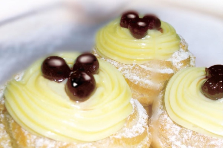 Even though the San Giuseppe's Zeppole are eaten in march, every day is the right day to enjoy them! #sangiuseppe #zeppole #enjoy