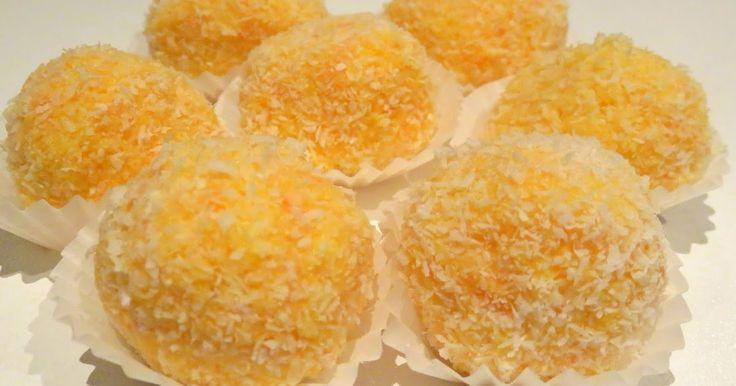 INGREDIENTES: (Para 12 trufas) 60 gr. de zanahoria troceada 90 gr. de coco rallado 200 gr. de leche condensada Coco rallado para rebozar...