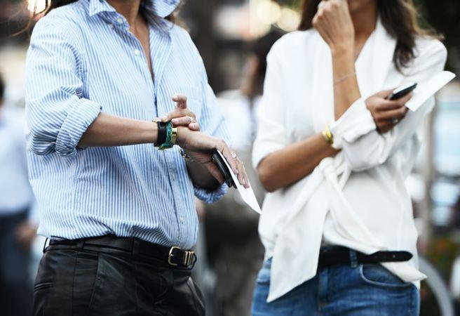 A Mini-Saia Jeans, Fashion Models, French Vogue, Emmanuel Alt, Street Style, White Shirts, Black Belts, White Blouses, Leather Pants