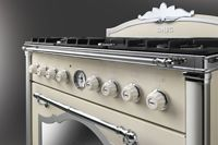 The new Smeg cookers in the Cortina Line take their inspiration from the mastery of mountain craftsmen where luxury design and elegant finishes go hand in hand with technologically advanced performance.