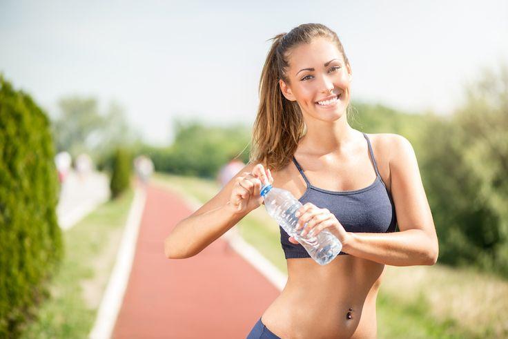 Accessoires fitness : les meilleurs exercices avec un ballon de gym