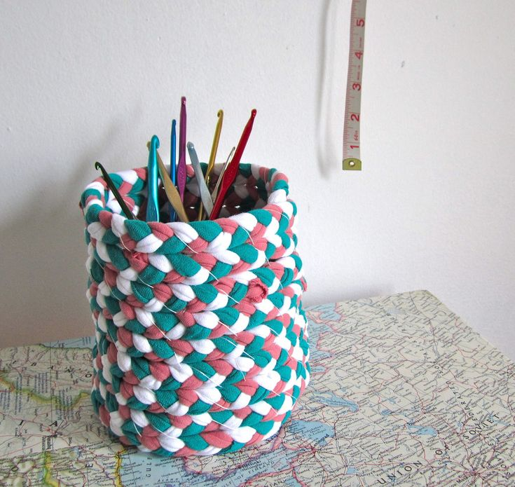 Tutorial: how to make a braided t-shirt yarn basket