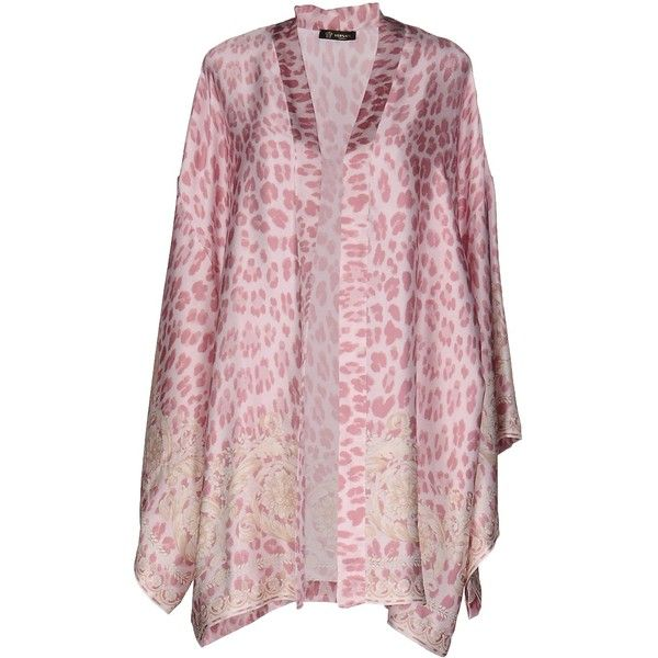 Versace Dressing Gown ($305) ❤ liked on Polyvore featuring intimates, robes, pink, dressing gown, bath robes, pink bath robe, versace and pink bathrobe