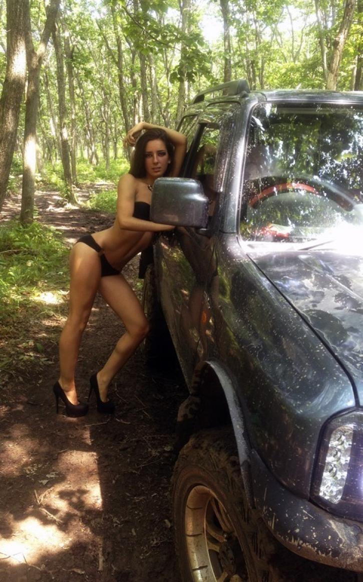 Грязевые ванны. Девушки и авто. Сексуальные девушки и шикарные автомобили или мотоциклы на рабочий стол, ежедневные обновления. VERcity.