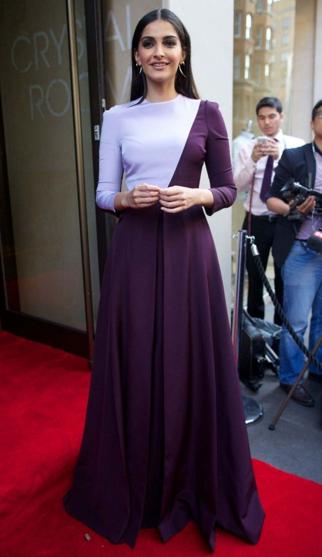 Best dressed 10.07.13. Sonam Kapoor in a Barbara Casasola gown.