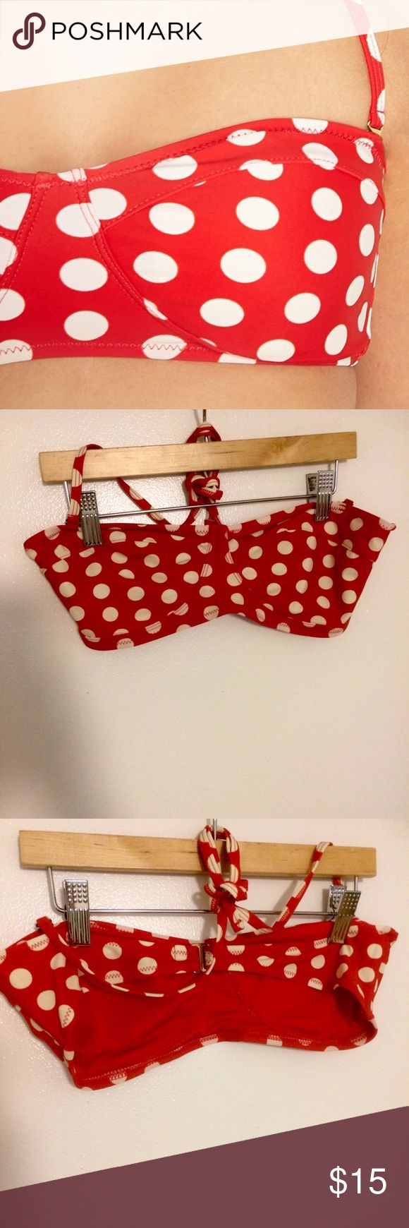 Forever 21 red polka dot retro bandeau bikini top This pinup girl retro style bikini top is from Forever 21, and has only been worn one time! With a red and white polka dot pattern, you're sure to feel picture perfect this Season. Size Medium. Padding removed. Forever 21 Swim Bikinis