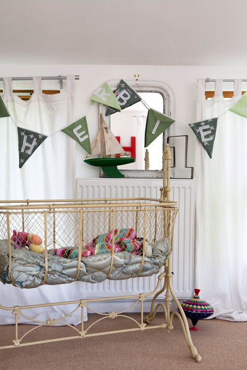 the boo and the boy: Eclectic kids' rooms / possibly illegal, but very cute.