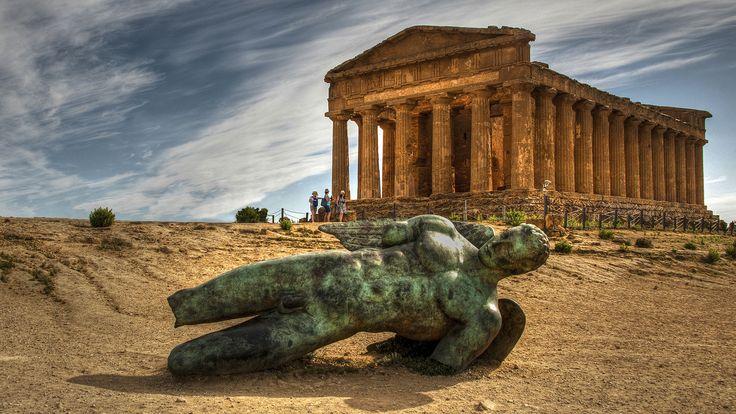 https://flic.kr/p/PgLBMH   Igor Mitoraj, Icarus fell, Agrigento