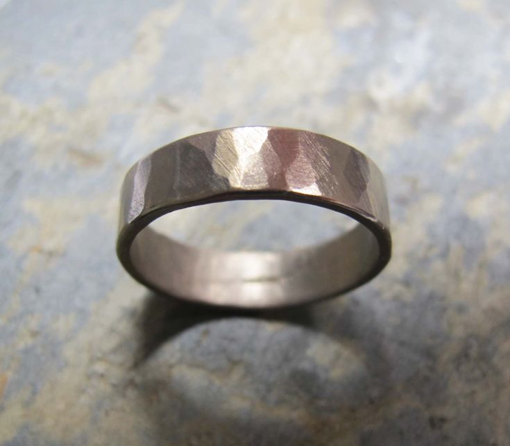 Men's hammered bark texture wedding band ring in 18ct white gold