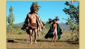 Resultado de imagen para traje tipico mapuche hombre