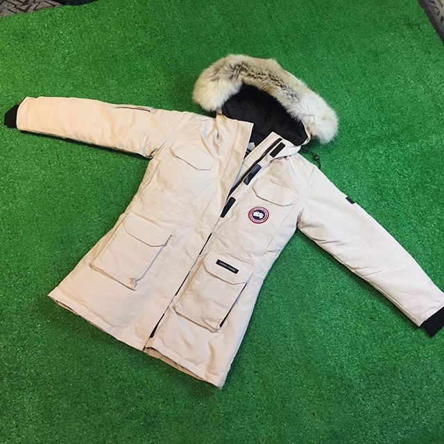 Canada Goose Ladies Accessories - Authentic Canada Goose Coats,Top Quality Down Coats and Vest For Womens & Mens & Youth Sale,The Latest Style You Need, a variety of classic style