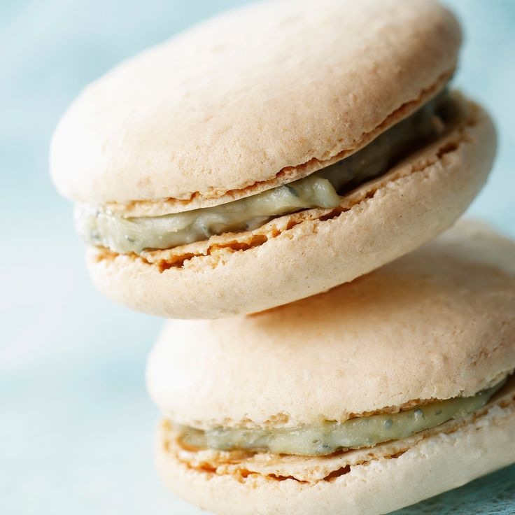 Macaron au bleu, fromage frais et noix | Blue cheese, fresh cheese and walnuts macaroons