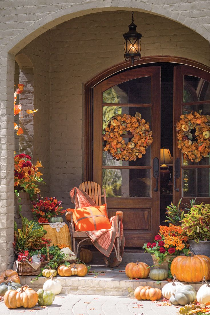 Doors pleasant fall decorating ideas for outside pinterest autumn - When Autumn Arrives In All Its Prismatic Glory The Makings For Beautiful Displays Abound