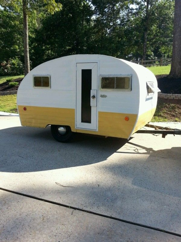 1969 Bee Line camper vintage travel trailer canned ham ...