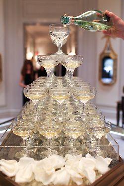Nunca debe faltar una fuente de champán.