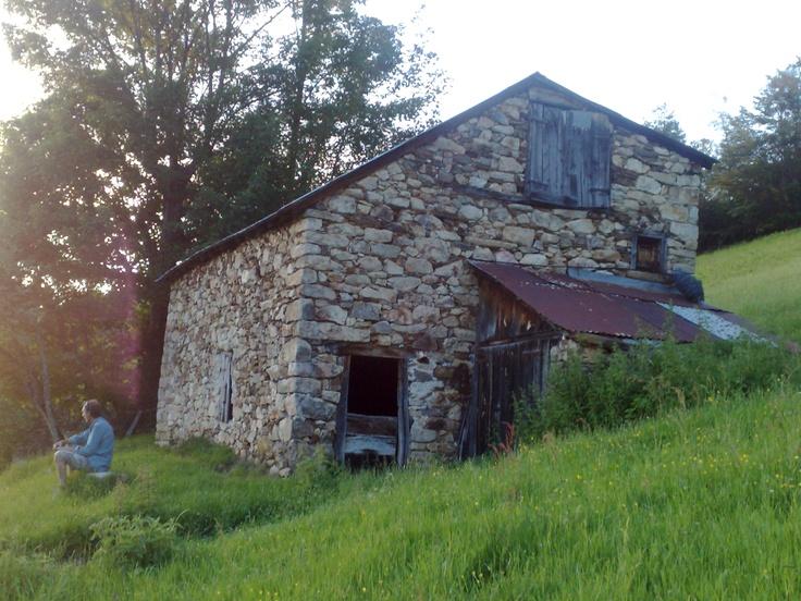Barn above Liers, Massat