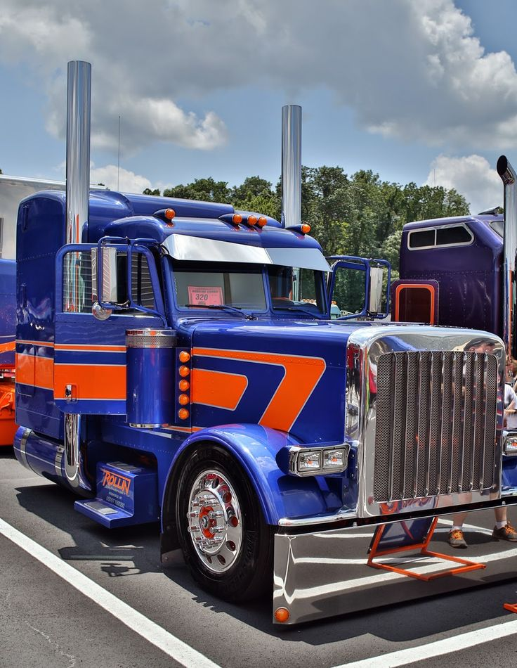 NEW CUSTOM SHOW TRUCK READY TO GO! - Peterbilt of Sioux Falls   389 Peterbilt Show Trucks