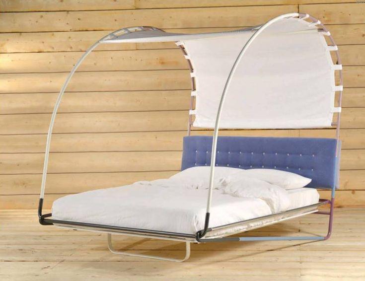letto baldacchino moderno