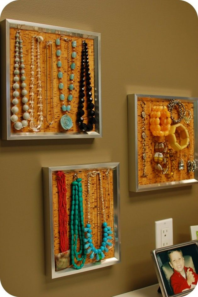 Corkboard used as jewelry storage - great as decoration. Home DIY