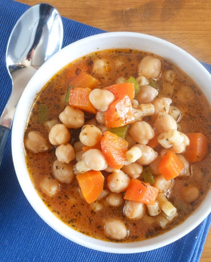 A delicious fall/winter soup, chickpea soup (also known as garbanzo beans) Minestrone di ceci. A must try / anitalianinmykitchen.com