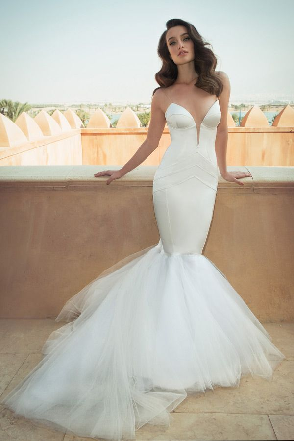 WedLuxe– Oved Cohen – Kings City 2016 Collection |  Follow @WedLuxe for more wedding inspiration!