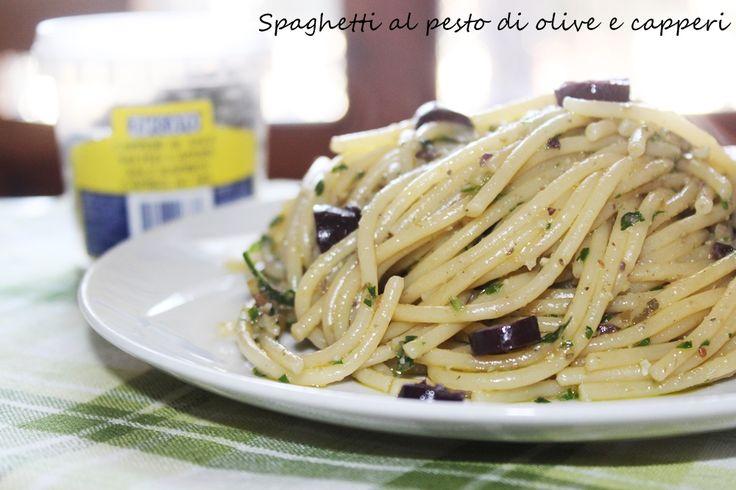 Spaghetti al pesto di olive e capperi