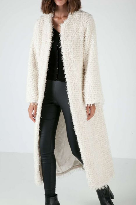 Short-fringe overcoat