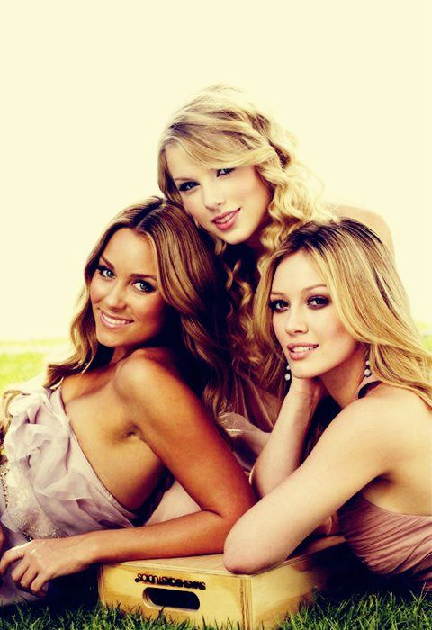 funny because these are my 3 favorite people ever: Hillary Duff, Friends Pictures, Sisters Poses, Sisters Pictures, Hilary Duff, Taylors Swift, Lauren Conrad, Pretty People, Photo Shooting