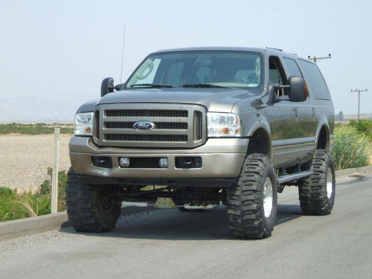 2005 lifted diesel excursion pirate4x4 com 4x4 and off road forum excursions pinterest. Black Bedroom Furniture Sets. Home Design Ideas