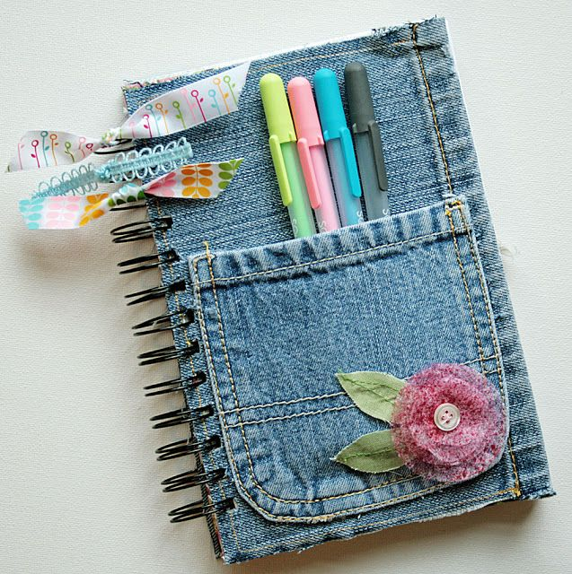 Create a cute notebook with recycled denim. By Life Made Creations featured @totgreencrafts