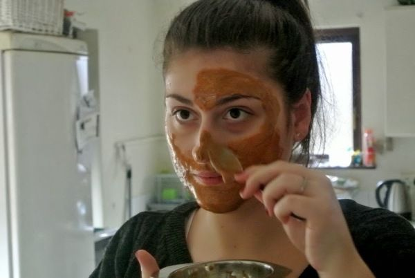 Mézes fahéjas arcmaszk, ami csodát művel az arcoddal