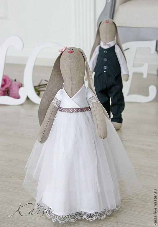 Свадебная парочка зайцев