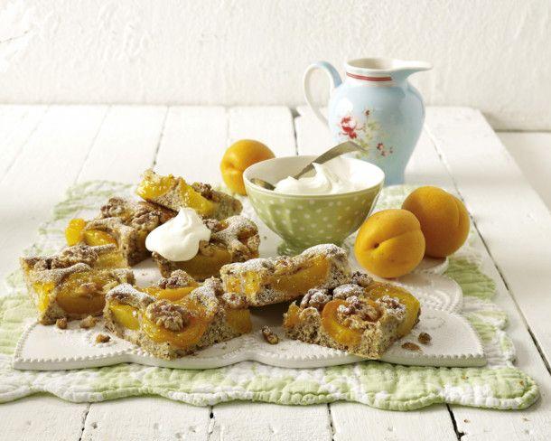 Unser beliebtes Rezept für Aprikosenkuchen mit Walnüssen und mehr als 55.000 weitere kostenlose Rezepte auf LECKER.de.